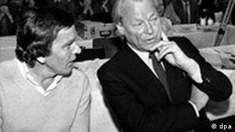 Gerhard Schröder und Willy Brandt 1980