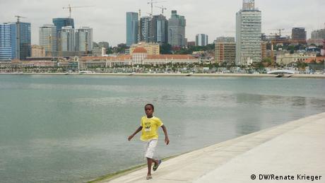 A Baía de Luanda é uma das maiores provas do dinheiro gerado pelo petróleo em Angola