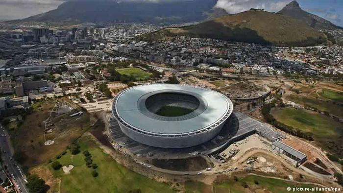 A football stadium in Cape Town, where games were held. (NIC BOTHMA/EPA /dpa-KORR)