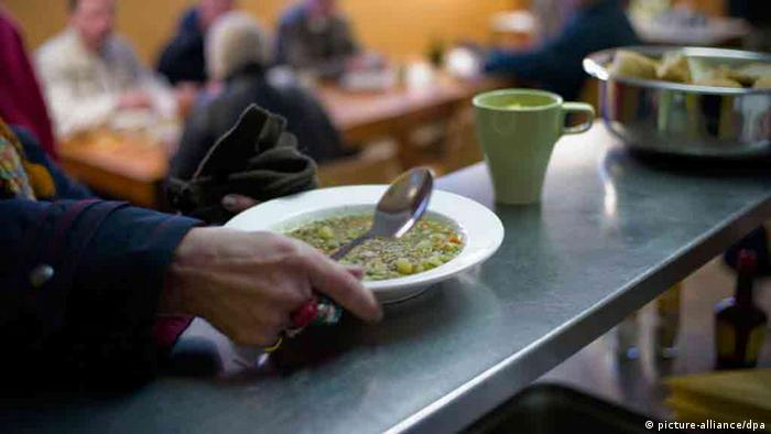 A plate of linseed soup is served in a Protestant church charity in Hannover on 28 November 2012. Photo: Peter Steffen/dpa +++(c) dpa - Bildfunk+++