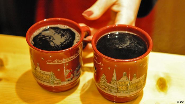 Deutschland Bummel über den Weihnachtsmarkt in Bonn 2012 Essen und Trinken