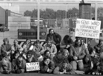 Greens block a US base in Frankfurt in 1983