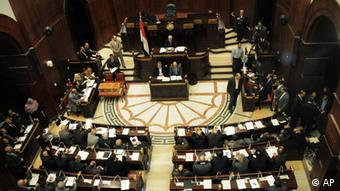 The Islamist-dominated panel vote on a final draft of a new Egyptian constitution in Cairo, Egypt, Thursday, Nov. 29, 2012. Photo:Mohammed Asad/AP/dapd