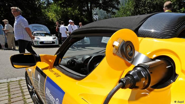 A Tesla Roadster recharging Photo: Uwe Lein/dapd
