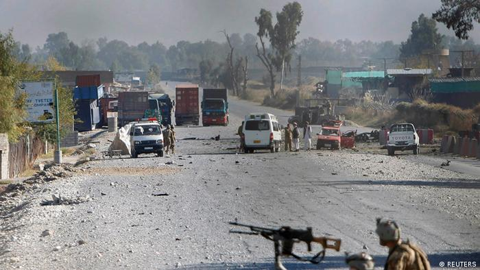 Afghan security forces inspect the site of an attack in Jalalabad (Photo: REUTERS/ Parwiz)