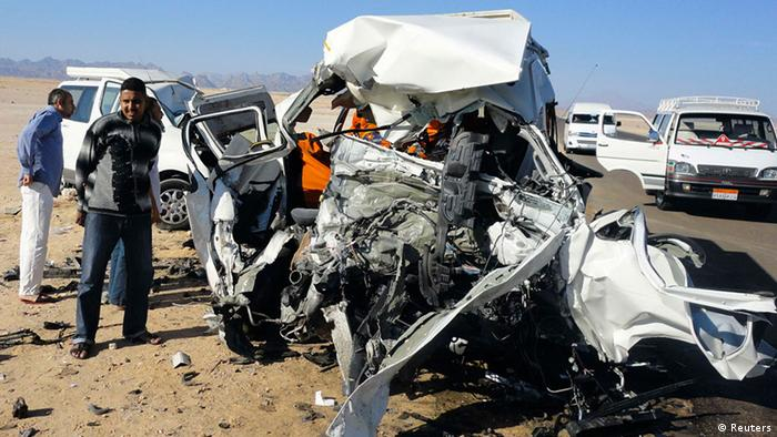 Two tour buses that crashed into each another are seen on Hurgada highway, about 403 km (250 miles) from the capital Cairo, December 2, 2012. Four German tourists and three Egyptians were killed and two other Germans were injured, local media reported, adding that initial investigations blamed the accident on speeding. (Photo: Reuters)