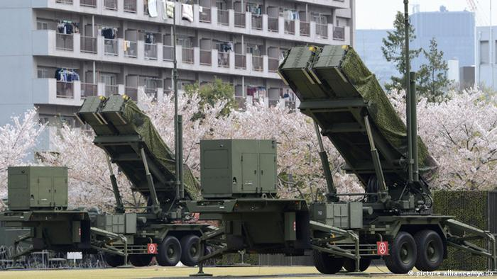 Ground-based Patriot Advanced Capability-3 interceptors remain on standby at the premises of the Defense Ministry in Tokyo at 11:18 a.m. on April 13, 2012, even though the North Korean rocket launch earlier in the morning ended in failure (Photo: Kyodo)