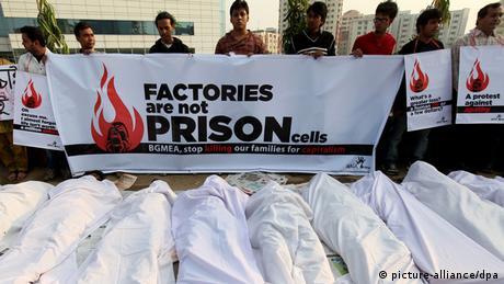 Bangladesch Dhaka Ashulia Arbeiter Proteste