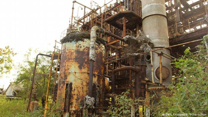 Rusty remants at the Union Carbide plant in northern Bhopal Copyright: Leila Knüppel/Nicole Scherschun Datum/Ort: November 2012, Bhopal, Indien