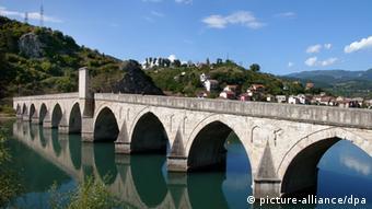 Visegrad Drina Brücke Bosnien Herzegowina Ivo Andric Literatur Denkmal Roman
