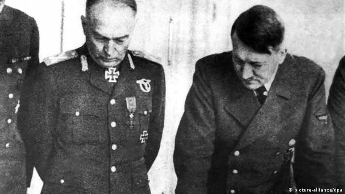 Mareşelul Ion Antonescu la cartierul general al lui Adolf Hitler (imagine de arhivă)