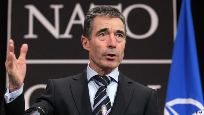 NATO-Russland-Rat Brüssel Anders Fogh Rasmussen NATO Secretary General Anders Fogh Rasmussen speaks at a media conference during a meeting of NATO foreign ministers at NATO headquarters in Brussels on Tuesday, Dec. 4, 2012. NATO foreign ministers are expected to approve Turkey's request for Patriot anti-missile systems to bolster its defense against possible strikes from neighboring Syria. (Foto:Yves Logghe/AP/dapd)