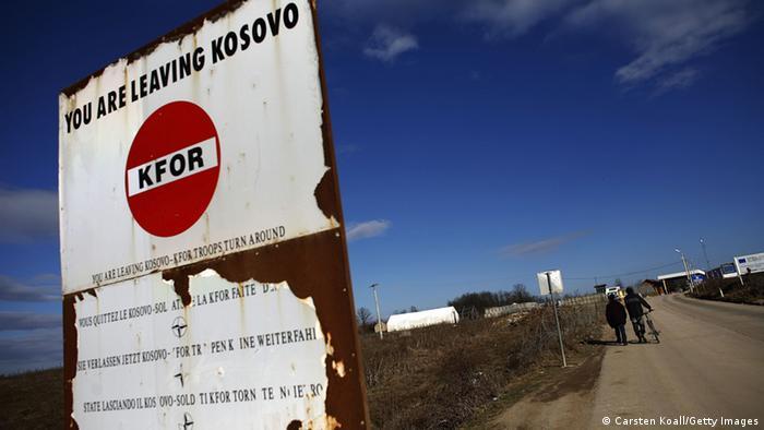 Kosovo Serbien Grenze Schild