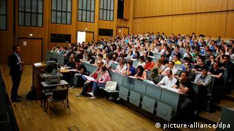 Διεπιστημονικότητα, απορρόφηση ξένων φοιτητών και επιπλέον κίνητρα σε γυναίκες ερευνήτριες