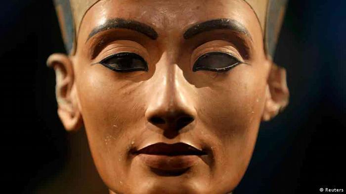 Nofretete Ausstellung im Neues Museum Berlin