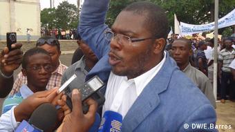 Levy Nazaré, secretário-geral do ADI em plena manifestação