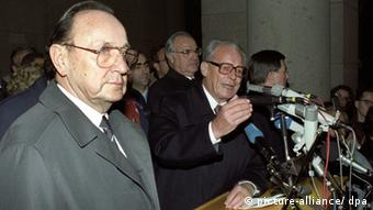 Altbundeskanzler Willy Brandt (SPD) bei seiner Ansprache am 10. November 1989 (Foto: dpa)