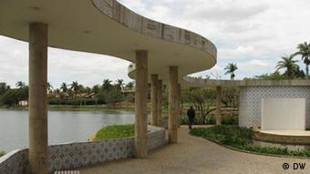 Obras de Oscar Niemeyer às margens da Lagoa da Pampulha