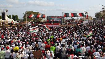 Thousands of Mahama supporters at a pre-election rally (Photo: Eszter Farkas dpa)