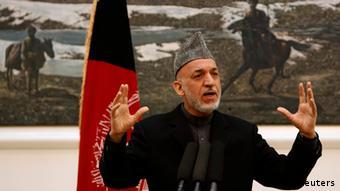 Präsident Karsai vor der Presse in Kabul (Foto: Reuters)