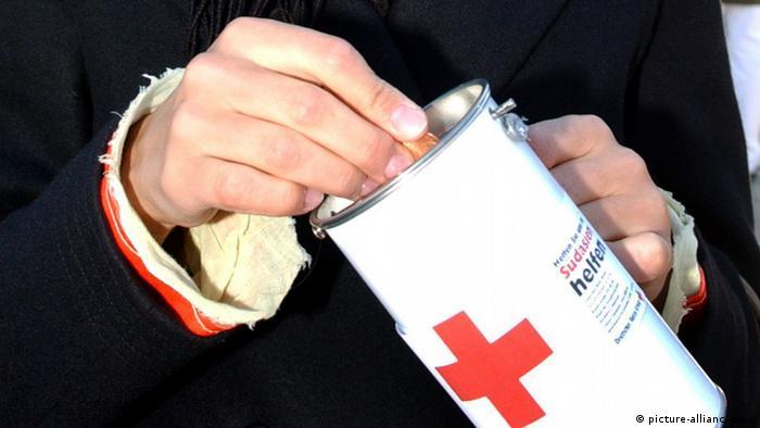 Sammelbüchse Geldspende Rotes Kreuz (Foto: dpa)