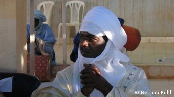 President of the HED Tamat, Mano Aghali, at the peace forum. Copyright: Bettina Rühl 17.09.2012, Arlit, Niger