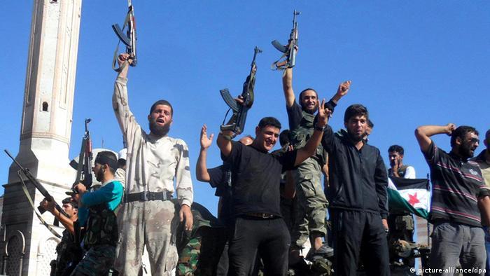 Syrien Rebellen Aleppo Siegerpose Archiv 20.07.2012