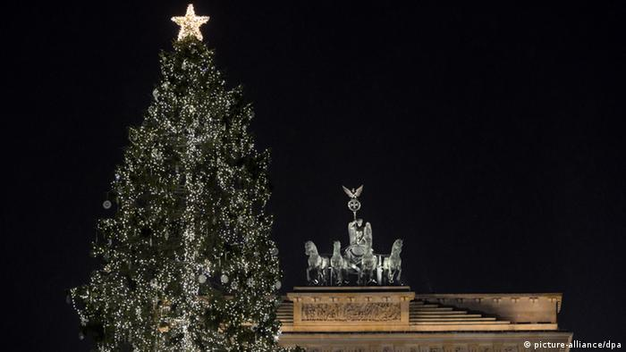 Christmas tree in front of Berlin's Brandenburg Gate