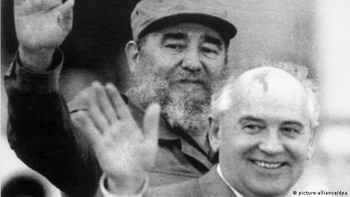 Fidel Castro e Mikhail Gorbatchov em Cuba, em 1989