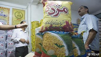 بهای برنج با وجود واردات گسترده نسبت به سال گذشته به شدت افزایش یافته است
