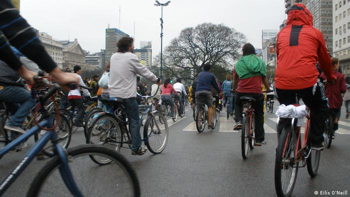 Cyclists taking part in the Masa Critica in Buenos Aires gather before their monthly demonstration begins (Photo: Eilis O'Neill)