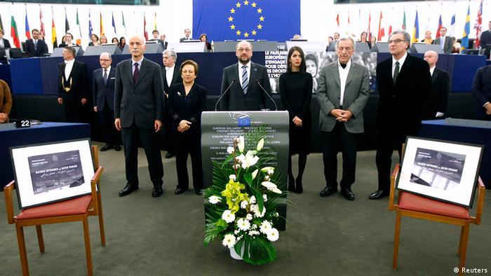 جایزه ساخاروف در غیاب ستوده و پناهی در سال ۲۰۱۲ به آنان اهدا شد