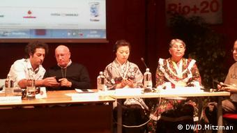 Delegates discuss sustainable farming techniques in Japan at a Slow Food conference in Italy. Foto: Dany Mitzman, 2012, Italien
