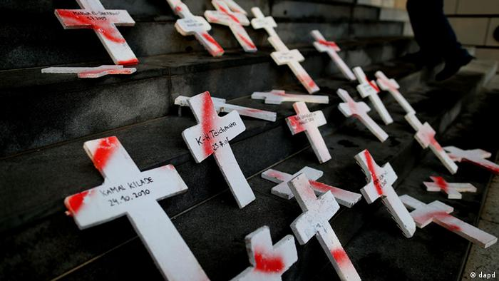 white crosses with names (dapd)