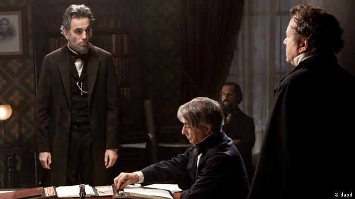 7 dalda aday gösterilen Lincoln filmi, ABD eski Başkanlarından Abraham Lincoln'ün hayatını konu ediyor.