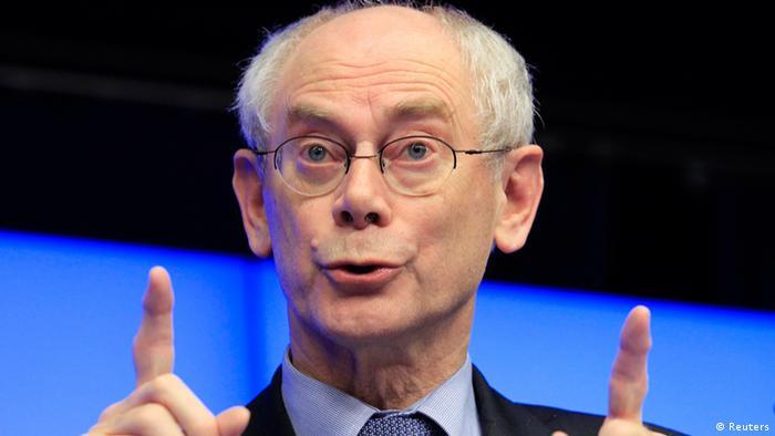 Herman Van Rompuy hebt beide Zeigefinger (Foto: REUTERS)