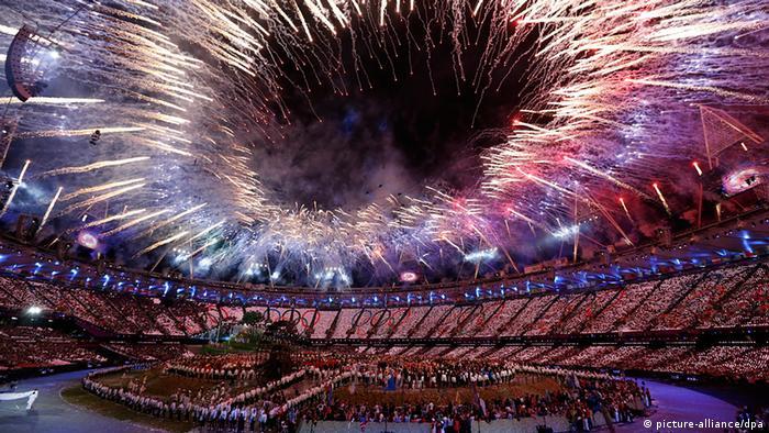 Fireworks during the London Olympic games, Summer 2012 (Photo: EPA/JONATHAN BRADY zu dpa´)