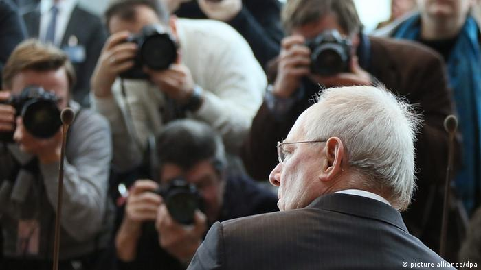 Bundesfinanzminister Wolfgang Schäuble (CDU) am 14.12.2012 in Berlin vor dem NSU-Untersuchungsausschuss (Foto: dpa)