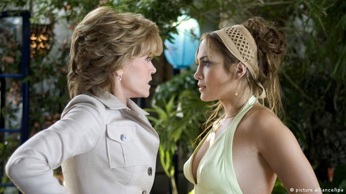 Jane Fonda and Jennifer Lopez in Monster-in-Law (2015) (picture alliance/kpa)