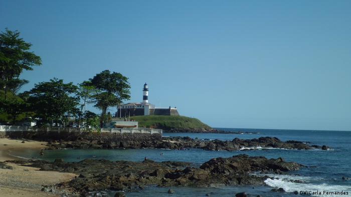 O Farol da Barra foi o primeiro a ser construído no Brasil e é o mais antigo do continente americano datando de 1698