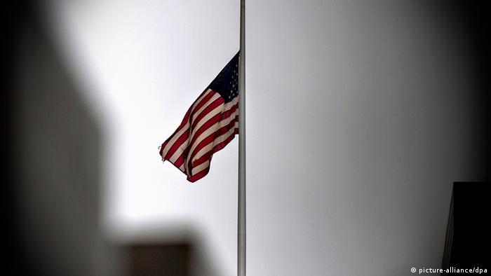 Massaker Amoklauf USA Newtown Connecticut USA (picture-alliance/dpa)