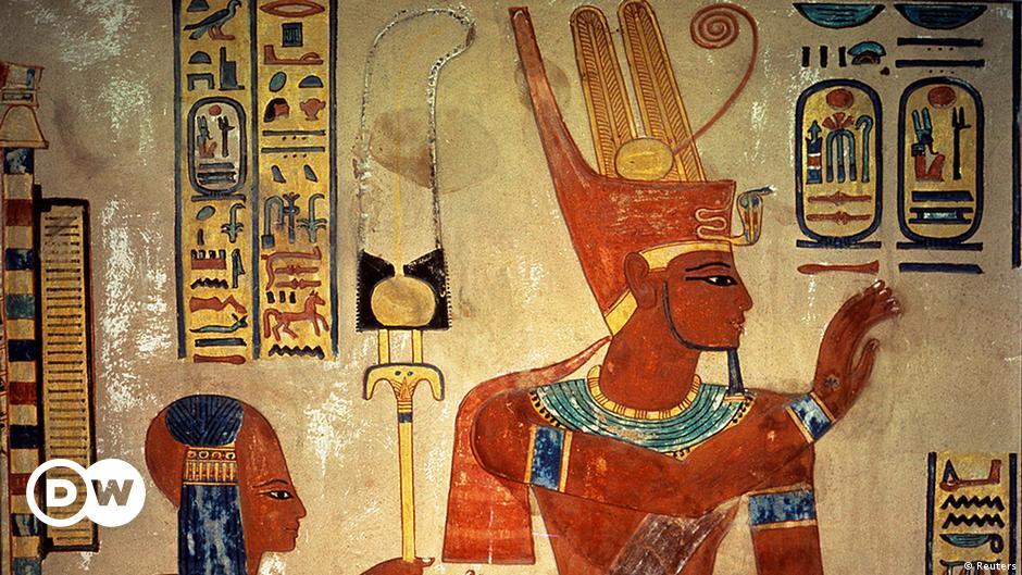 راز مایع سفید دهان فرعون چیست