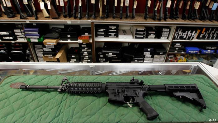 Waffe AR-15 halbautomatisches Sturmgewehr (AP)