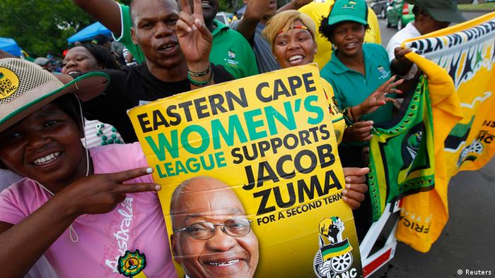 Supporters of President Jacob Zuma celebrate as delegates to the National Conference of the ruling African National Congress (ANC) begin voting for their leadership in Bloemfontein, December 17, 2012. Zuma is being challenged by his deputy Kgalema Motlanthe for the position of President of the party which has ruled South Africa since the country's first democratic elections in 1994. REUTERS/Mike Hutchings (SOUTH AFRICA - Tags: POLITICS ELECTIONS)