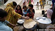 """Das Leben in der Pakistanischen Provinz Balochistan. (Balochistan is the largest province of Pakistan in terms of area, but lowest in population and the poorest in per capita income.) Schlagwörter für Bilder : Balochistan, Pakistan, Pakistani Child, GWADAR, Minorities, Frauen, Mineralien, Rohstoffe, Land, Leute, Bugti, Aufständischen Rechte: Please find attached the required photos as per our conversation an inpage file containing updated photo captions is also attached. It is to bring into your notice that these all are my library photos and """"DW"""" is wholly authorize to use these pictures, Abdul Ghani Kakar. Zulieferer: Imtiaz Ahmad"""