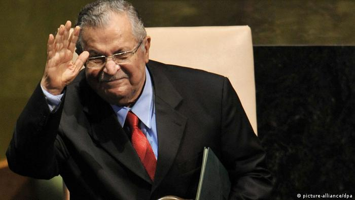 (FILE) A file photograph dated 24 September 2009, shows President of Iraq Jalal Talabani, waving to attendees, during the 64th General Debate of the UN General Assembly at UN headquarters in New York, New York, USA on 24 September 2009. EPA/JASON SZENES +++(c) dpa - Bildfunk+++