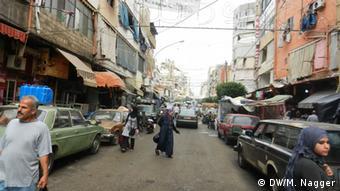 Die Hauptstraße im Beiruter Stadtteil Sabra (Foto: DW/Maria Nagger)