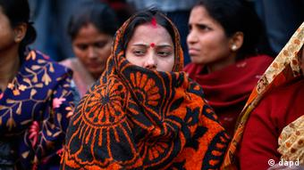 Women supporters of Bharatiya Janata Party (BJP) stage a protest over the gang rape and beating of a young woman in New Delhi, India, Wednesday, Dec. 19, 2012. 8Photo: AP)