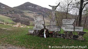 Μνημείο για τα θύματα στο Μαρτσαμπότο της Ιταλίας