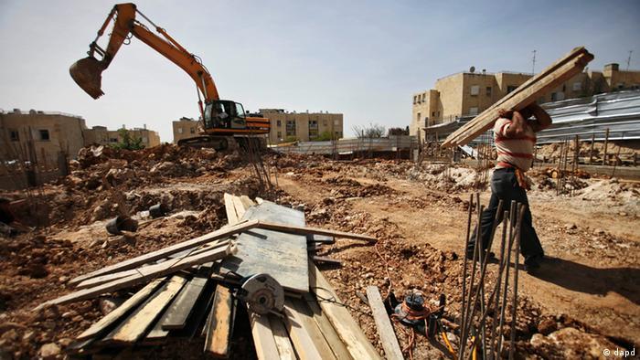 construction site Photo: Dan Balilty, File/AP/dapd)